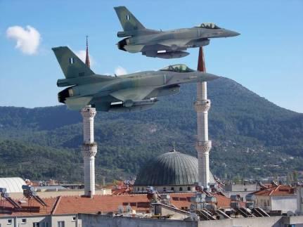 F-16 μιναρέδες