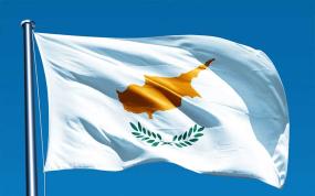 chavantis-o-anglos-kyvernitis-askise-piesi-gia-ti-simaia-tis-kyprou
