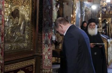 Άξιον Εστί - Πούτιν