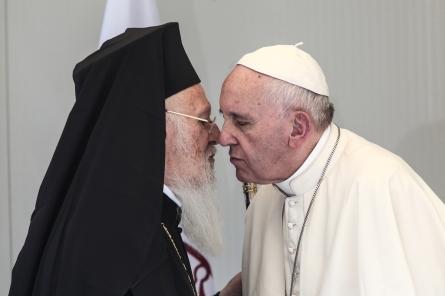 Pope Francis visits the Refugee Camp of Moria, in Mytilene, Lesbos, on April 16, 2016 / Επίσκεψη του Πάπα Φραγκίσκου στο Κέντρο Υποδοχής Προσφύγων της Μόριας, Μυτιλήνη, στη Λέσβο, στις 16 Απριλίου, 2016