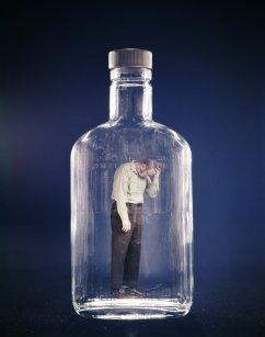 Άνθρωπος μέσα σε μπουκάλι